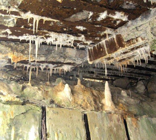 Bunkertropfsteine (2)