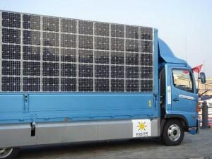 sieht nach vernünftiger Idee aus: Energie dort erzeugen, wo sie verbraucht wird... das wäre mal eine Industrieverpflichtung für neue LKW...